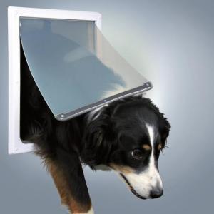 Дверца для собак Trixie, размер 30.8х38см.