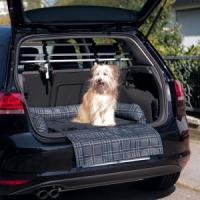 Фотография товара Чехол для багажника Trixie Car Bed, размер 80x60см., серый/черный