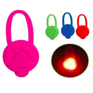 Светодиодный брелок для собак Triol, цвета в ассортименте