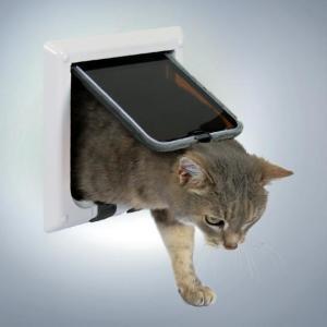 Дверца для кошек и собак Trixie, размер 16.5х17.4см., белый